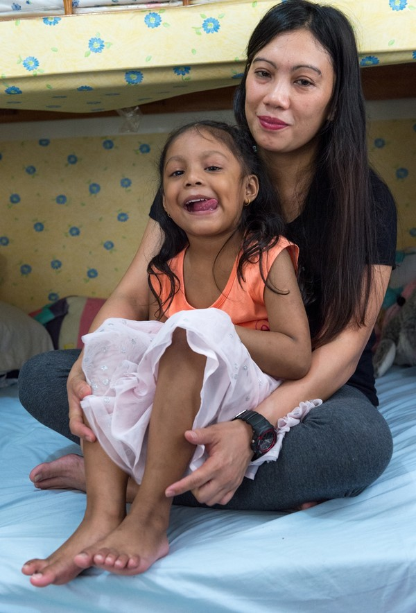 Vanessa with her stateless daughter Keana