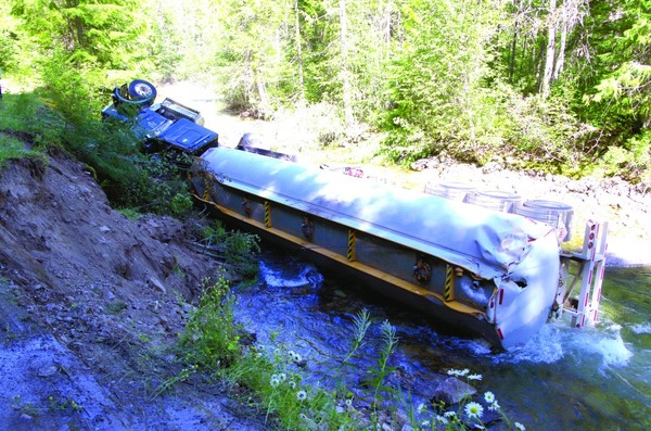 Fuel tanker spills 33,000 litres of jet fuel into Lemon Creek